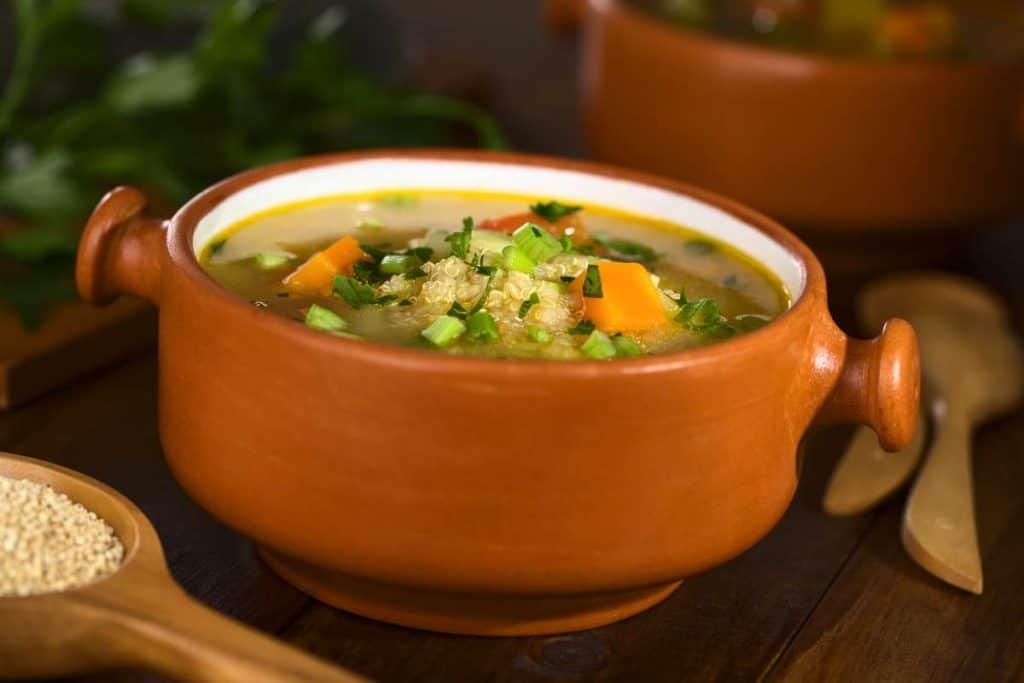receta sopa de quinoa